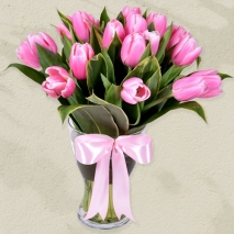 send 18 pcs. hot pink tulips in glass vase to philippines